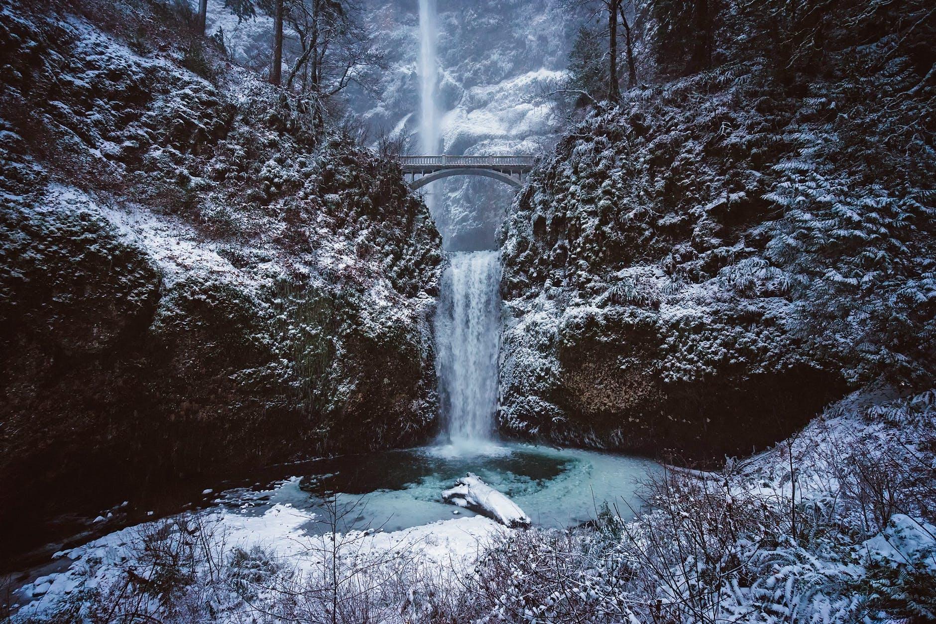 Multnomah Falls, Oregon, Winter